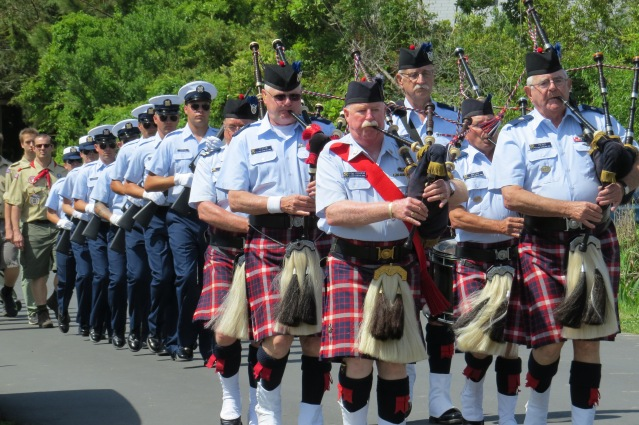 A procession led by bagpipers always precedes the British Cemetery ceremony, this year Friday at 11 a.m. Photo: C. Leinbach