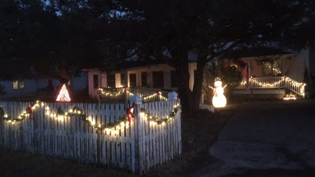 Islanders are decorating their homes for the holidays.